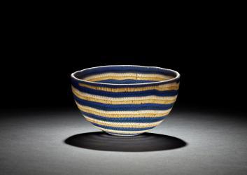 スパイラルレースガラス碗 大英博物館蔵  © The Trustees of the British Museum