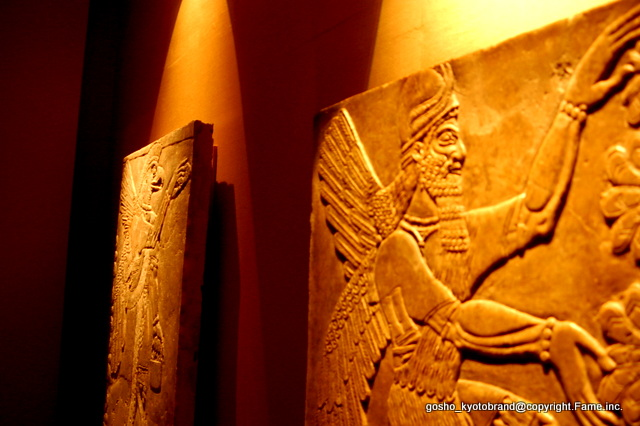 サルゴンⅡ世の壺が発見された部屋の壁レリーフ