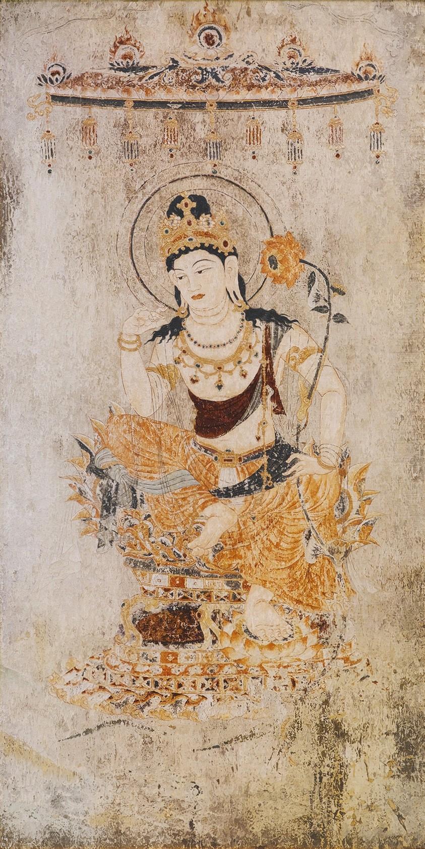 綴織「蓮華弥勒菩薩像」MIHOMUSEUM