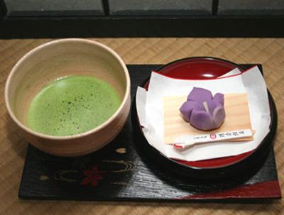 抹茶と桔梗のお菓子 800円