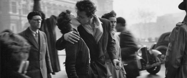 市役所前のキス 1950年