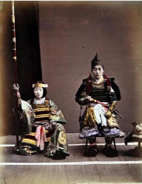 木曽義仲と巴御前 ©  Guimet National Museum of Asian Arts