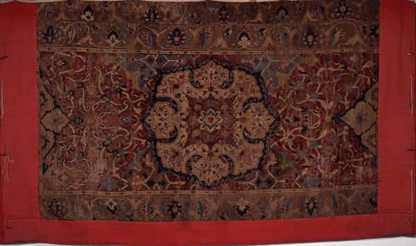 ▲鶏鉾 後懸 メダリオン中東連花葉文様 インド模織絨毯