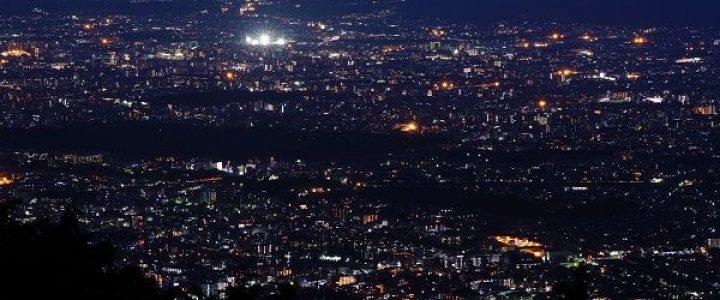 京都市街地と琵琶湖の夜景を堪能